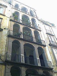 Lo scalone di Palazzo venezia a Napoli a somiglianza del Palazzo dello  Spagnoli al Borgo Vergini 1f63a5e056