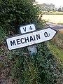 Panneau français D21a et cartouche E44 indiquant la route vicinale 4 à Aulnay.jpg