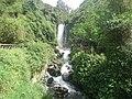 Panorámica de la cascada de Peguche.jpg