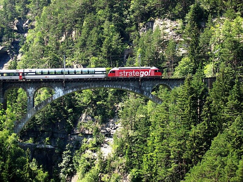 800px-Panoramic_Train.jpg