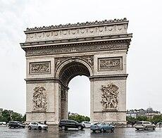 Arc de Triomphe bei Tag