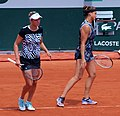 Paris-FR-75-open de tennis-2019-Roland Garros-court Mathieu-6 juin-double dames-09 (cropped).jpg
