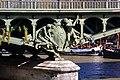 Paris - Pont de Bir-Hakeim (29955737492).jpg