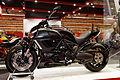 Paris - Salon de la moto 2011 - Ducati - Diavel Cromo - 001.jpg