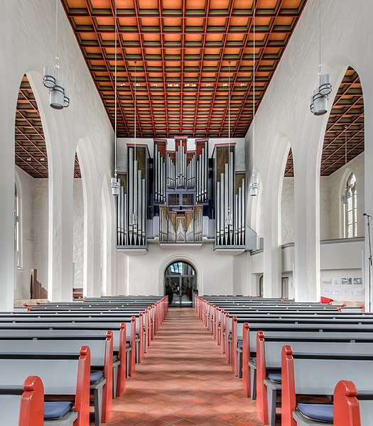 Datei:Petri-Kirche-Innen-Orgel.jpg