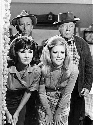 Lori Saunders - Back, L-R: Frank Cady, Edgar Buchanan. Front: Lori Saunders, Meredith MacRae on TV's Petticoat Junction (1968)