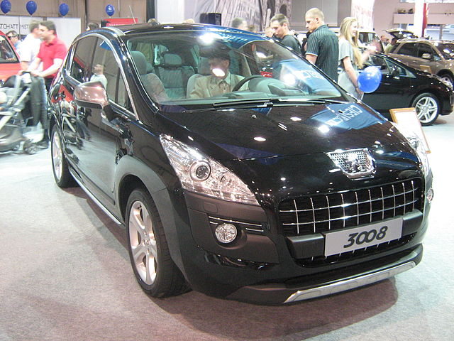 http://upload.wikimedia.org/wikipedia/commons/thumb/4/4d/Peugeot_3008_front_-_PSM_2009.jpg/640px-Peugeot_3008_front_-_PSM_2009.jpg