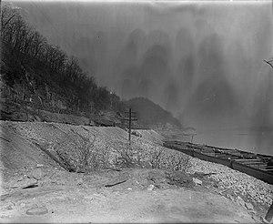 Pittsburgh and Lake Erie Railroad - Pittsburgh and Lake Erie Railroad in Stoops Ferry, Pennsylvania, 1907