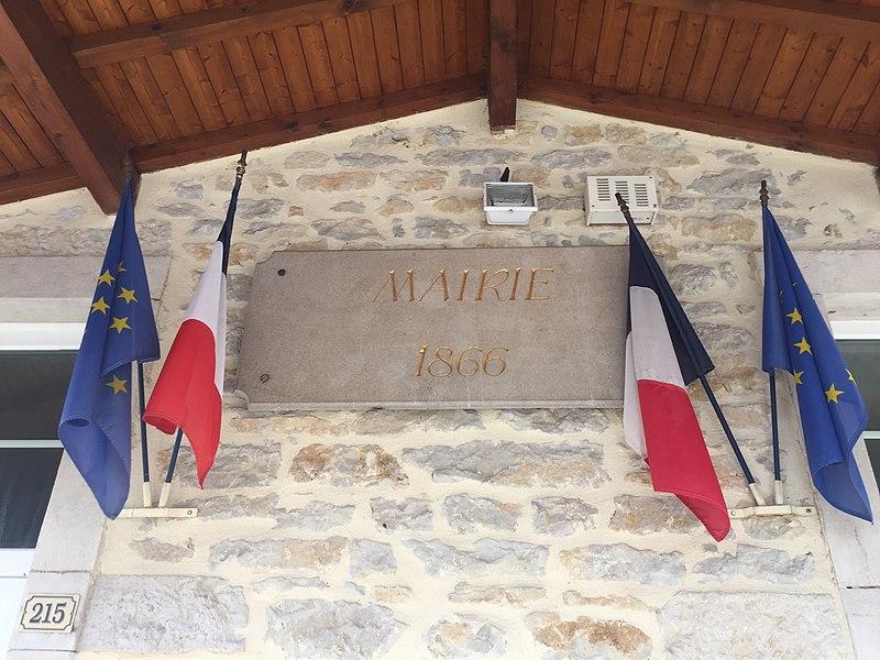 Plaques de la mairie de Saint-Martin-du-Mont.
