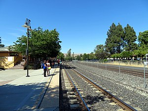 Platforms at Fremont-Centerville station, July 2018.JPG