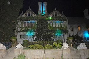 Playboy Mansion - Image: Playboy Mansion North Side 2007