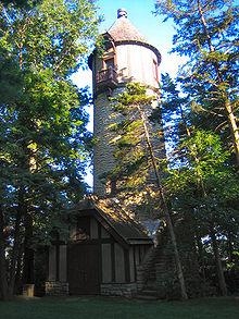 House Built Into Hill >> Plummer House (Rochester, Minnesota) - Wikipedia