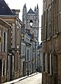 Poitiers-118-Strasse zur Kathedrale-2008-gje.jpg