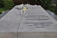 Polička-hřbitov-hrob-Bohuslava-Martinů2014.jpg