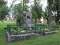 Pomník padlým ve Vrčni (Q66052123).jpg