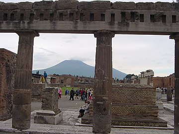 Pompeii.Vesuvius from the forum.jpg