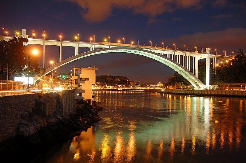 File:Ponte da Arrábida by António Amen - noite.jpg