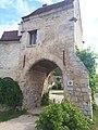 Porche de la ferme de l'Abbaye de Saint-Jean-aux-Bois (Oise).jpg