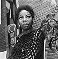 Portret van de Amerikaanse zangeres Nina Simone die met kerst op televisie zal v, Bestanddeelnr 918-5601.jpg