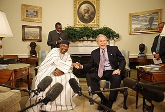 Amadou Toumani Touré - Touré meeting with U.S. President George W. Bush