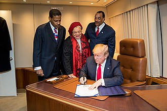 Alveda King - King with President Donald Trump in 2018