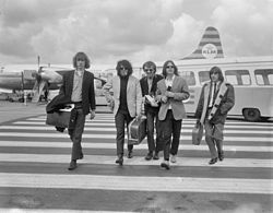 Pretty Things in 1965 Netherlands from left to right: Brian Pendleton, John Stax, Dick Taylor, Phil May, Viv Prince