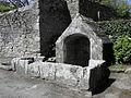 Primelin (29) Chapelle Saint-Tugen Fontaine 02.JPG