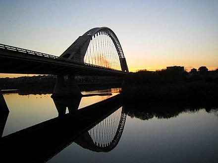 Puente Lusitania de Mérida sunset 2.jpg