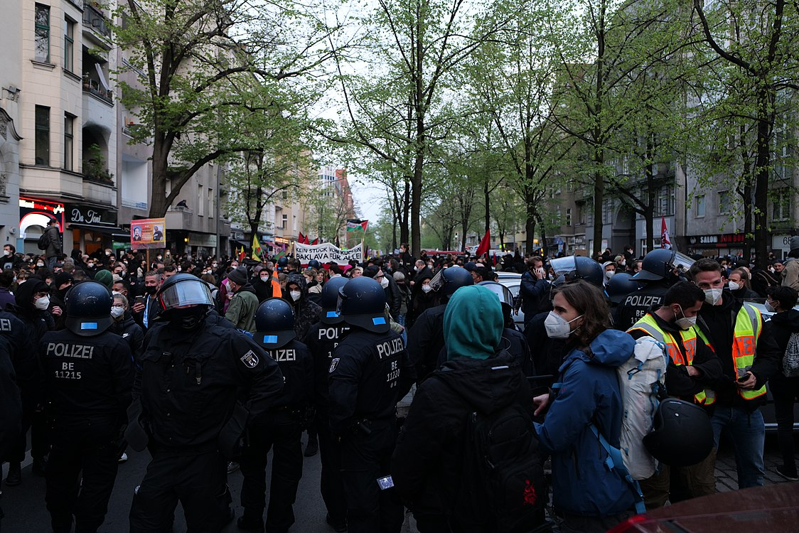 Revolutionary 1st may demonstration Berlin 2021 90.jpg