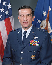 Photo of Gen Robert C. Oaks