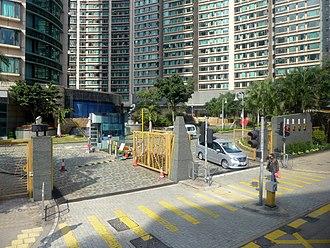 Hung Hom Bay - Royal Peninsula car entrance