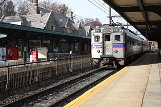 Jenkintown–Wyncote station - Image: SEPTA 290 at Jenkintown, November 2013