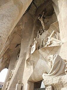 Sagrada-familia-passion-facade.jpg