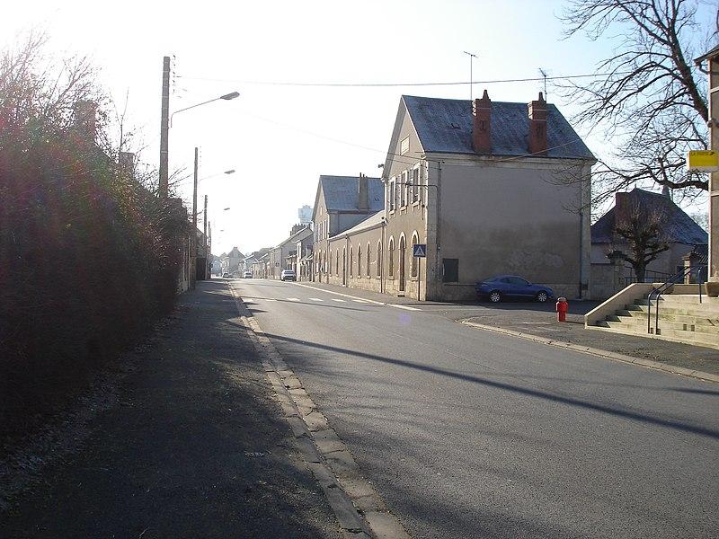 Saint-Août (36): Vue en direction de Saint-Chartier, de la route d'Issoudun (route départementale 918).