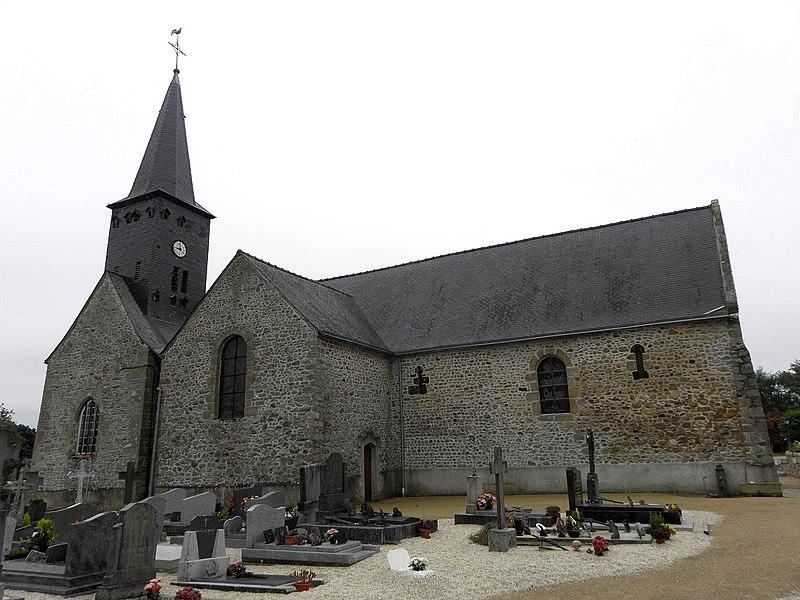 Église de Saint-Cyr-le-Gravelais (53). Flanc nord.