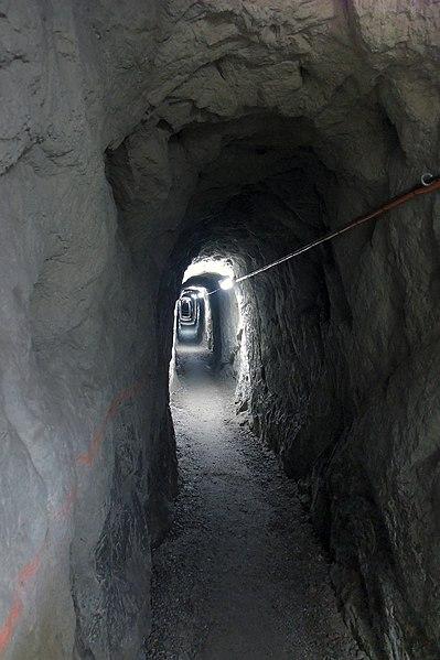 File:Schöllenen - Old Military-tunnel.jpg