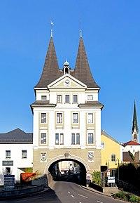 Schwanenstadt Stadttor.JPG