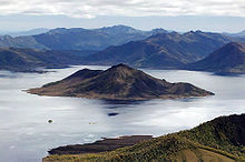 Scotts Peak cropped from Lake Pedder panorama.jpg