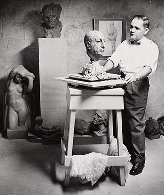 Leo Mol - Image: Sculptor Leo Mol