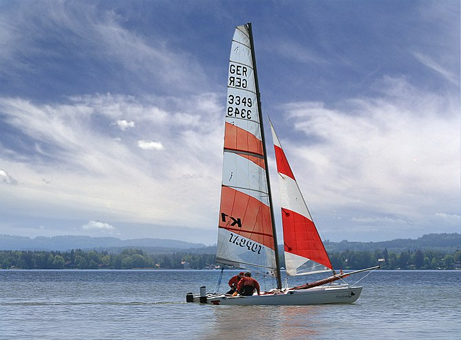 English: Description: A sailing boat at the St...