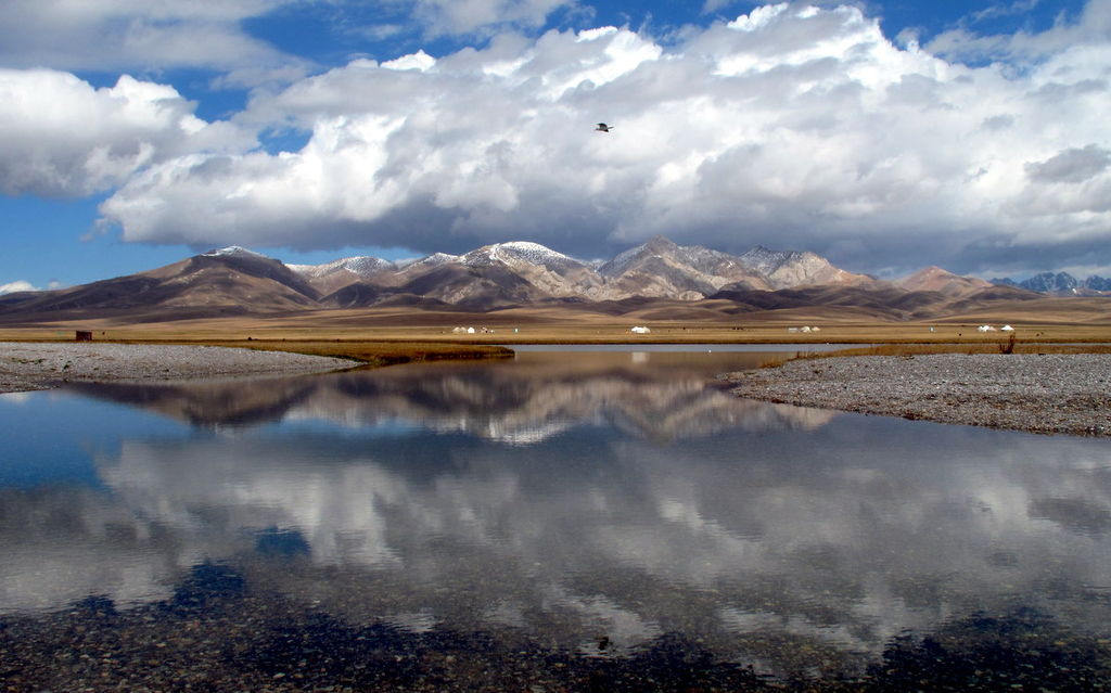Serenity on Song-Kul. (3968872838).jpg