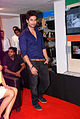 Shahid promotes 'Teri Meri Kahaani' at Reliance Digital 05.jpg