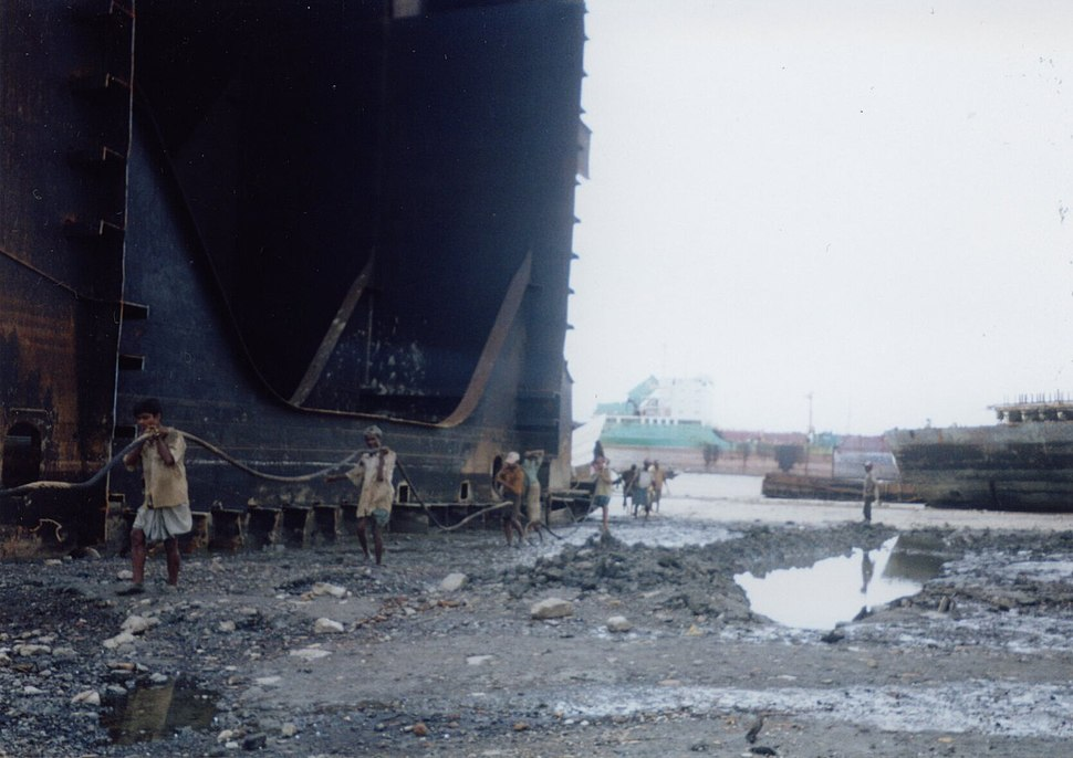 Shipbreakingbangladesh2