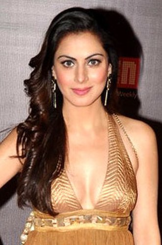 Shraddha Arya - Arya at the launch of Life OK's new TV serial Tumhari Paakhi in 2013