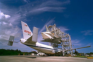 Shuttle Landing Facility - The Mate-Demate Device at the Shuttle Landing Facility