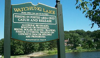 Watchung, New Jersey - Sign post.