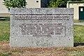 Simmering - Gemeindebau Salvador-Allende-Hof - Allende-Denkmal.jpg