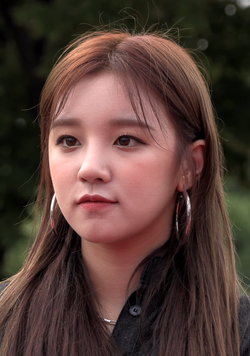 Song Yuqi at The PUBG Nations Cup on August 9, 2019.png