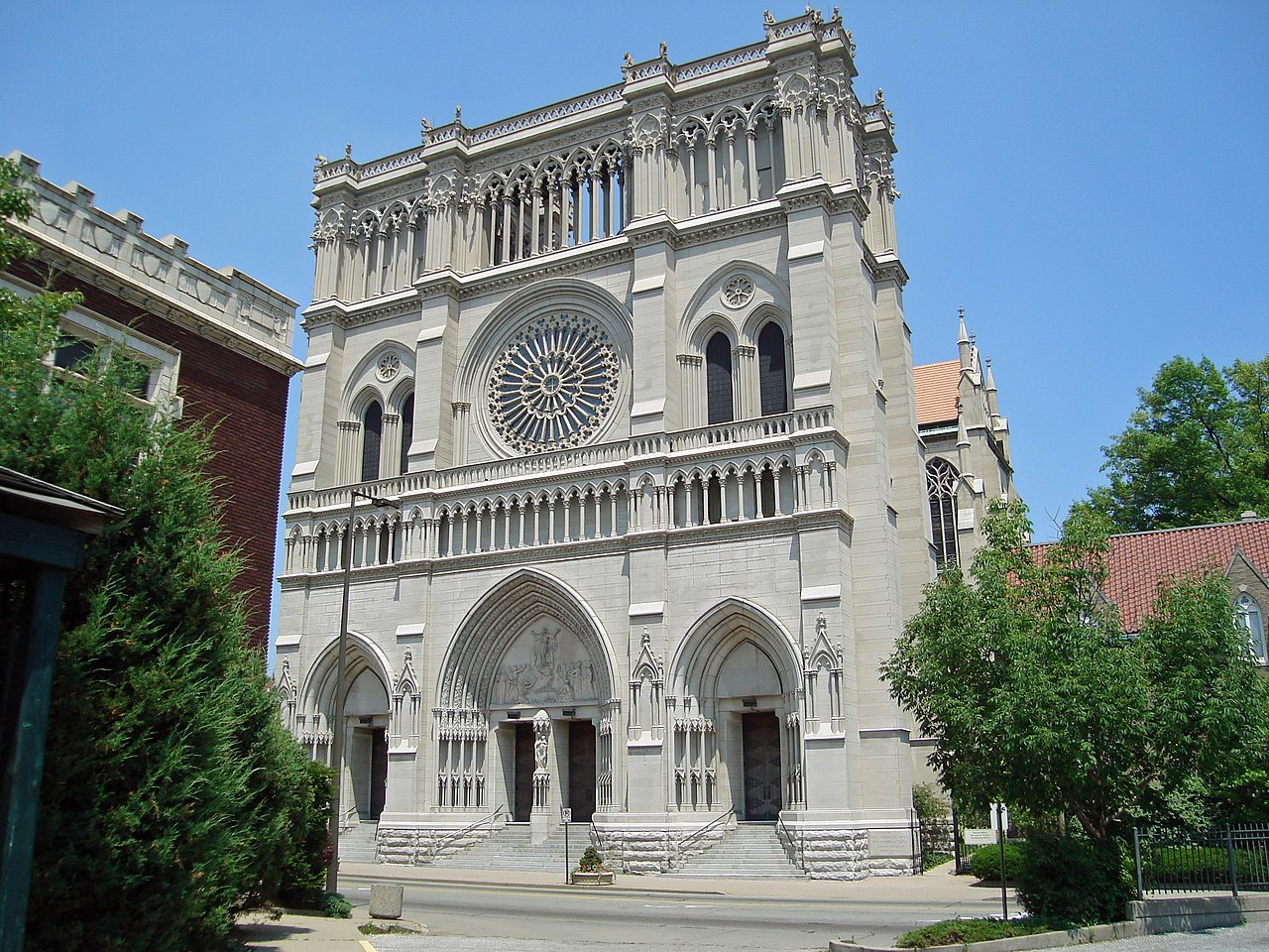 File st mary 39 s cathedral basilica of the assumption in for The covington