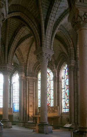Suger - Gothic ambulatory at Saint-Denis